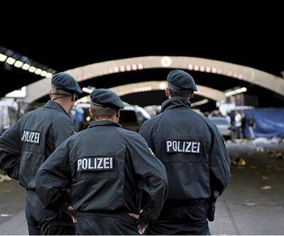 Almanya'da polisin yumrukladığı adam öldü