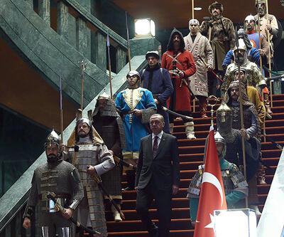 """""""16 Türk devleti"""" gerçek mi, kurgu mu?"""