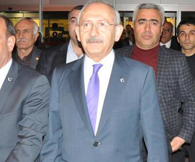 CHP lideri Kılıçdaroğlu minibüste kilitli kaldı