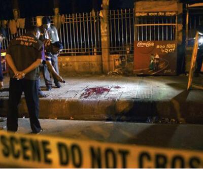 Bangladeşli ateist yazar parçalanarak öldürüldü