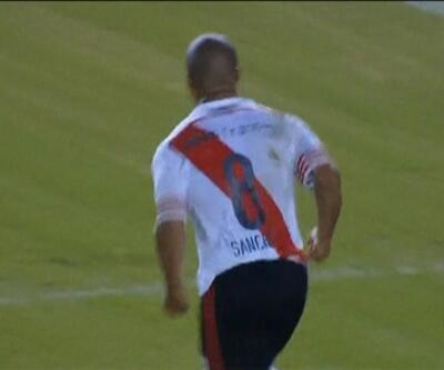 Carlos Sanchez'den klas gol