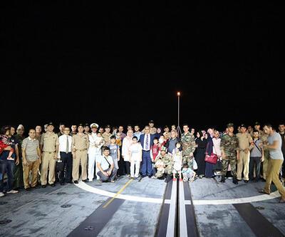 Yemen'den çıkarılan Türkiye vatandaşları İstanbul'a geldi