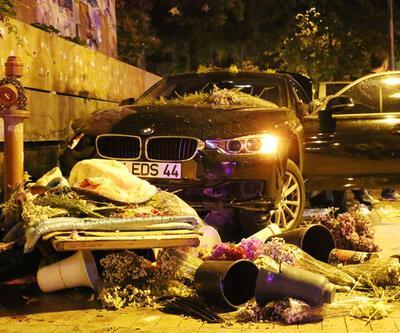 Kadıköy'de kontrolden çıkan otomobil çiçekçiye çarptı: 1 ölü