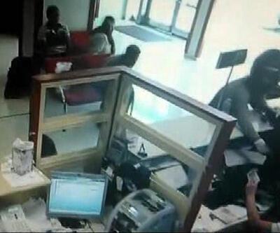 İzmir'deki banka soygunu kamerada