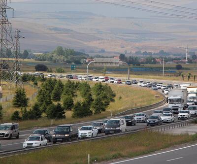 TEM'de zincirleme trafik kazası: 13 yaralı