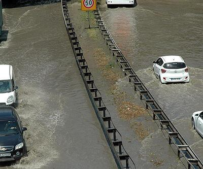 TEM Otoyolu'nu su bastı
