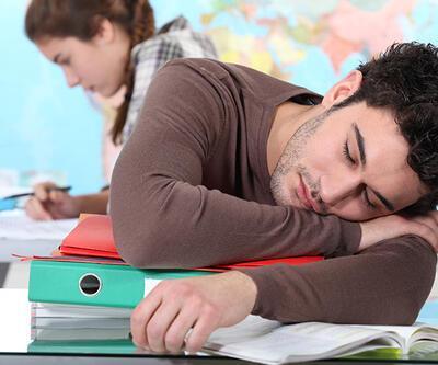 """Aşırı uyuyanlara """"şekerleme"""" için doktor raporu"""