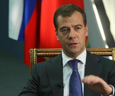 Medvedev'den Türkiye'ye PKK eleştirisi
