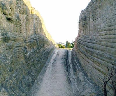 Afyon'da 14 milyon yıllık araç izleri!