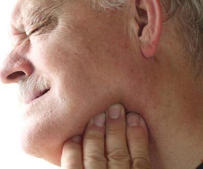 """""""Çenesi düşmek"""" sadece bir deyim değil, aynı zamanda önemli bir eklem hastalığı riski"""