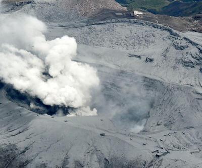 Japonya'da Aso Yanardağı'nın patlama anı