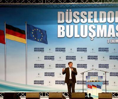 Davutoğlu Almanya'da Türk vatandaşlara seslendi