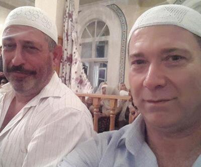 Cem Yılmaz ile Sümer Ezgü'den takkeli selfie