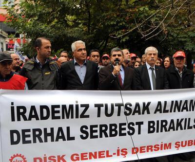 Tunceli'de tutuklu sendikacı ve grevdeki işçilere destek