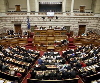 Yunanistan'da Syriza hükümeti 2 milletvekili kaybetti