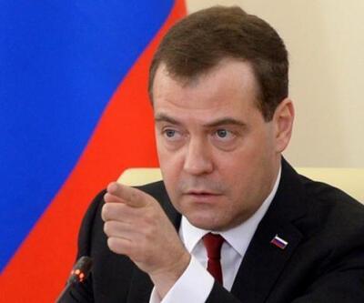 Medvedev'den Suriye'de kara harekatı açıklamalarına yanıt