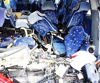 Balıkesir'de yolcu otobüsü devrildi: 22 yaralı