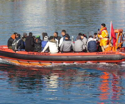 Ege Denizi'nde mültecileri taşıyan bot battı: 4 ölü