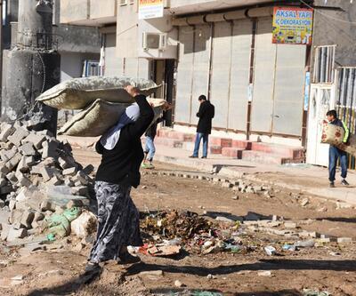 Çatışmalar nedeniyle harabeye dönen Nusaybin'den çarpıcı kareler