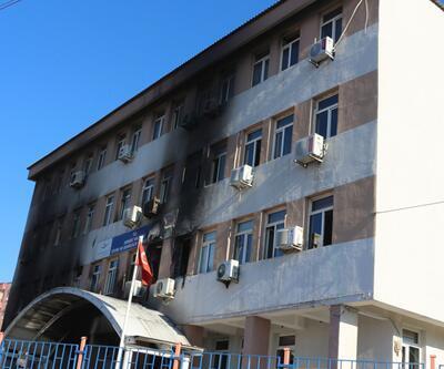 PKK Çevre ve Şehircilik Şırnak İl Müdürlüğü binasını ateşe verdi