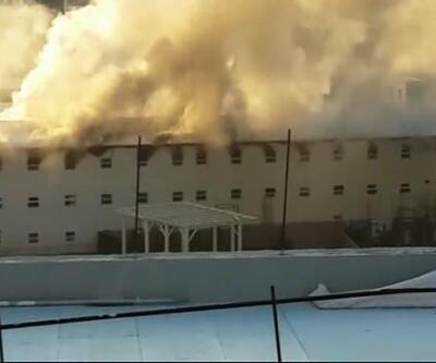 Bağcılar'daki inşaatta işçi yatakhanesi yandı