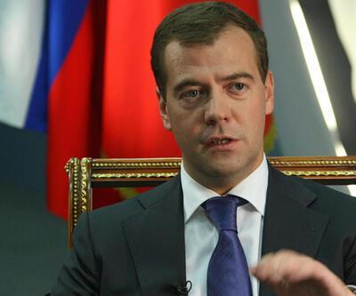 Medvedev'den ABD'ye tepki