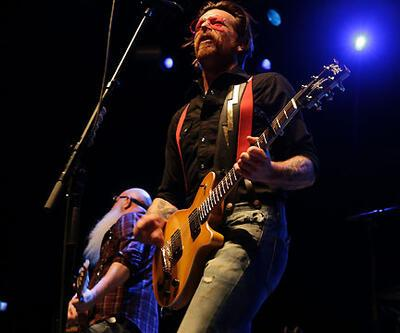 Eagles Of Death Metal yarım kalan konseri tamamlayacak