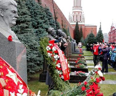 Ruslar Sovyet sistemine geri dönmek istiyor