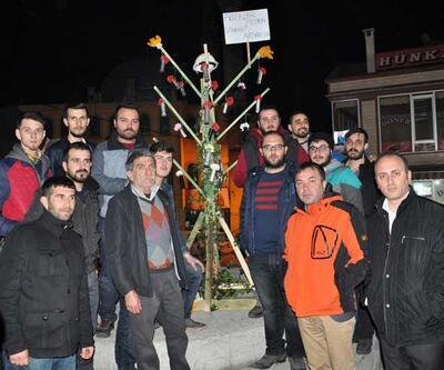 Cerattepe'de biber gazı kapsüllü ağaç figürü protestosu