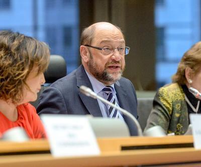 Schulz'dan Erdoğan'a Gümrük Birliği şartı
