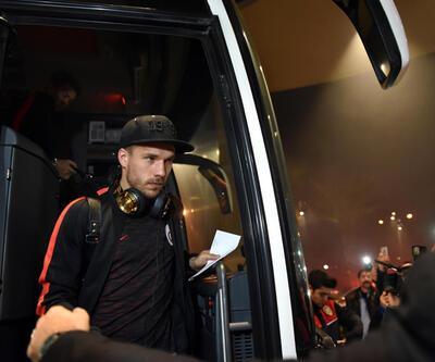 Podolski Galatasaray'dan ayrılıyor