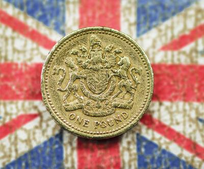 """İngiltere'de """"süper zenginler"""" servetlerini katladı"""