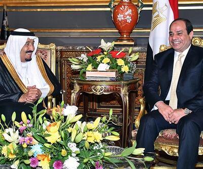 Suudilere Kızıldeniz'deki adaları veren Sisi'ye karşı Tahrir protestosu