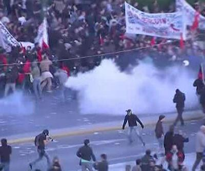 Yunanistan'da halk sokağa döküldü
