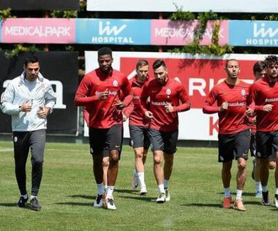 Galatasaray'da 4 futbolcu yolcu