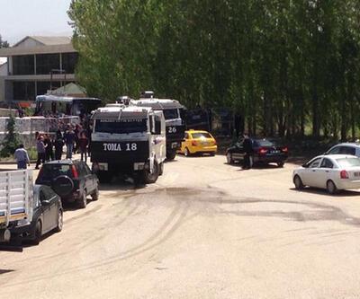 Kongrenin yapılacağı otelin çevresinde polis barikat kurdu