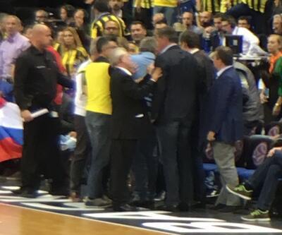Fenerbahçe - CSKA Moskova maçında kavga çıktı
