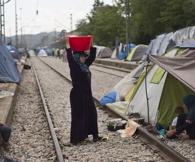 Guardian'dan sığınmacılara böcekli yemek iddiası