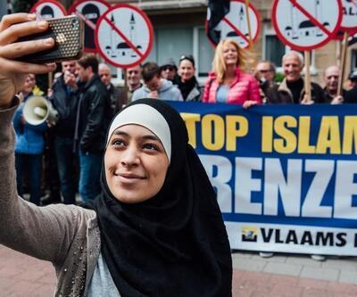 İslam karşıtı gösteriyi böyle 'trol'ledi