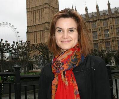 İngiltere'de milletvekili cinayeti, referandum çalışmalarını durdurdu