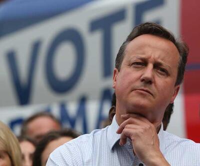 İngiltere Başbakanı Cameron'a istifa baskısı
