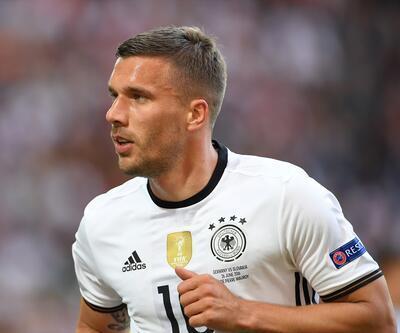Matthaus ve Schweinsteiger'dan sonra Podolski de yaptı