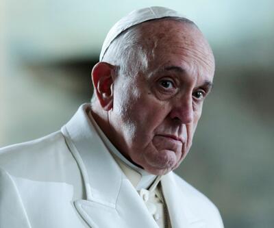 Papa net konuştu: Katolik kilisesinde kadınlar asla papaz olamaz