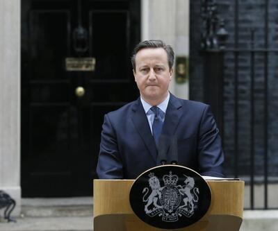 Eski İngiltere Başbakanı Cameron'dan eşe dosta Kraliyet Nişanı