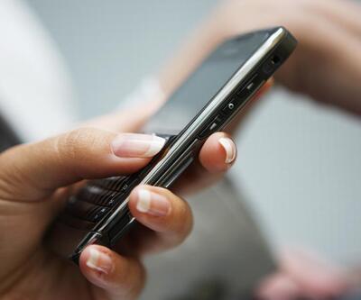 O üniversitede sınavlarda cep telefonu yasaklandı!