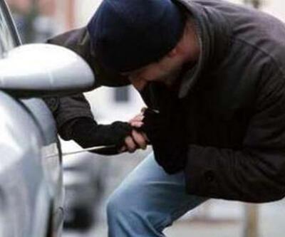 Para bulamayan hırsızlar ayakkabı çaldı