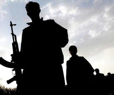 PKK'lı teröristler Derecik'te üs bölgelerine saldırdı