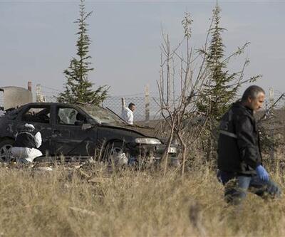 Ankara'da iki canlı bombanın kendini patlattığı yerden ilk kareler