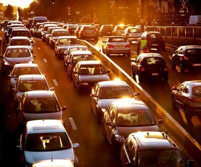 Tehlikeli araç kullananların cezası 2 bin 700 lira