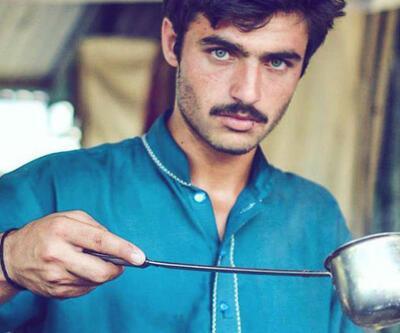 Pakistanlı çaycı bir kare ile ünlü oldu